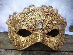 gold-jeweled-masquerede mask