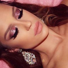 Loving this glittery glam look by @amadea_dashurie our Brilliant & Spellbinding palette! ✨ #sigmabeauty