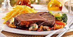 Rezept: Sauerbraten mit Waldpilzen, Buttergemüse und Spätzle