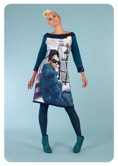 Margot Re Yolanda York kjole Casual Dresses, Fashion Dresses, Couture, Fashion Colours, Dream Dress, Frocks, Designer Dresses, Dress Skirt, Graphic Sweatshirt