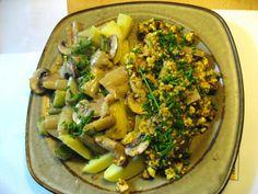 Tofurührei, Spargelragout und Salzkartoffeln: Anemone hat sich eine deftige Köstlichkeit gezaubert und ich bin ganz neidisch
