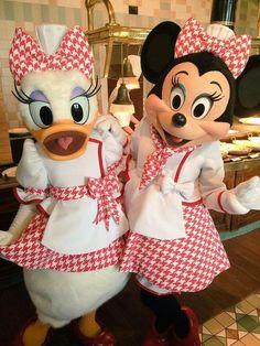 Chefs Minnie & Daisy
