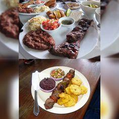 #espaciohonduras Cual plato prefieren el capitalino de arriba o de abajo el ceibeño?  Todos a comer.
