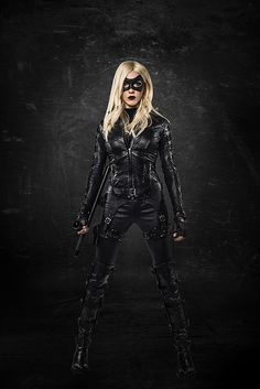 Arrow First Look: Katie Cassidy as #BlackCanary — When Will She Debut?