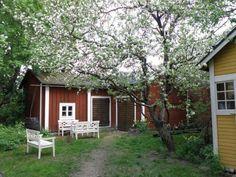 Vanha Rauma Future House, My House, Wooden Architecture, Wooden Buildings, Scandinavian Countries, Swedish House, Scandinavian Design, Interior And Exterior, The Neighbourhood