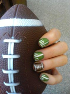 Looooooooove me sum Fooooootballl! Great for the Super Bowl, or football season in general - Football Nail Design Get Nails, Fancy Nails, Love Nails, How To Do Nails, Pretty Nails, Hair And Nails, Fingernail Designs, Nail Polish Designs, Cute Nail Designs