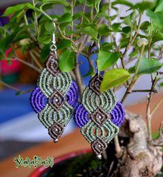 Macramè earrings mint green and purple de MahakashiCreations en Etsy https://www.etsy.com/es/listing/256892343/macrame-earrings-mint-green-and-purple