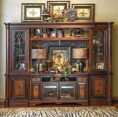 If you are having difficulty making a decision about a home decorating theme, tuscan style is a great home decorating idea. Many homeowners are attracted to the tuscan style because it combines sub… Tuscan Living Rooms, Living Room Decor Tips, Living Room Furniture, Dining Rooms, Tuscan Decorating, Interior Decorating, Decorating Ideas, Old World Decorating, Bookcase Decorating