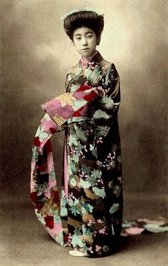 EIRYU -- QUEEN of the POSTCARD GEISHAS (8) -- SHOW ME THE OBI ! by Okinawa Soba, via Flickr