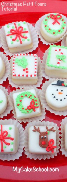 Christmas Petit Fours- A Cake Decorating Video Tutorial - Desserts Christmas Tea, Christmas Cupcakes, Christmas Sweets, Christmas Cooking, Christmas Goodies, Christmas Recipes, White Christmas, Birthday Desserts, Mini Desserts