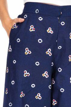 Hsgs Kulot Batik, Batik Kebaya, Kebaya Dress, Blouse Batik, Batik Dress, Batik Fashion, Ethnic Fashion, Fashion Prints, Big Size Fashion