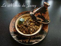 Nach langer Zeit kommt endlich auch mal wieder ein typisch tunesisches Gericht. Traditionell wird es mit Leber, Magen oder Herzen zubereitet, mann kann als Fleisch aber auch Geflügel, Lamm oder Rind verwenden. Oder die Zutaten mischen. Mir persönlich...