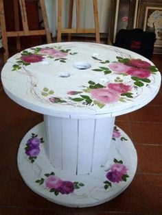 handgemachte DIY Möbel, The Effective Pictures We Offer You About Decoupage videos A quality picture can tell you many things. You can find the most beautiful pictures that c Decoupage Furniture, Repurposed Furniture, Pallet Furniture, Furniture Makeover, Painted Furniture, Furniture Design, Handmade Furniture, Furniture Ideas, Garden Furniture