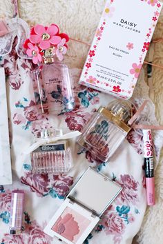 A Valentine's Day Gift Guide For Her (Or Yourself) + Giveaway