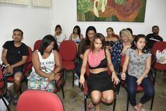 """Quadrilha/mulheres/operação/Manaus A Polícia Civil do Amazonas divulgou na tarde desta terça-feira (14), balanço da operação """"Mãos Leves"""", deflagrada na manhã de segunda feira (13), por volta das 10h. De acordo com o delegado titular da 2ª Seccional Norte, Fernando Bezerra, 13 pessoas, sendo dez mulheres e três homens, foram presas ao longo da ação em cumprimento a mandados de prisão preventiva por furto qualificado e associação criminosa. Alyne Patrícia Franco de Oliveira, 27; Cleisa da…"""