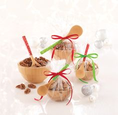 Make it and take it! These Spiced Caramel Nuts make the perfect hostess gift when you wrap them up in our Bamboo Snack Bowls