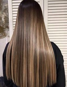 - nail and hand care in 2019 cabello, balayage cabello castañ Brown Hair With Blonde Highlights, Brown Hair Balayage, Hair Color Balayage, Ombre Hair, Balayage Hair Brunette Straight, Blonde Highlights On Dark Hair, Blonde Honey, Honey Balayage, Ombre Highlights