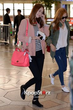 Girls\' Generation(SNSD) Yoona and Jessica Shows a Lovely Spring Airport Fashion on April 16, 2013