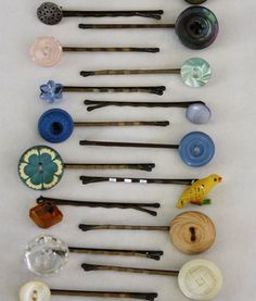 #DIY #Vintage Button Bobby Pins http://frsky.me/16XvE32 #hair