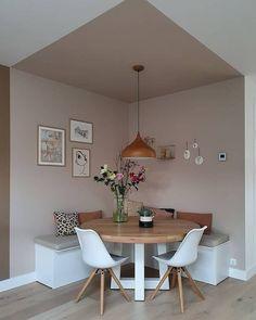 Information on Eetkamer - Binnenkijken bij cinterior_ Pin You can easily use . Cheap Home Decor, Diy Home Decor, Decor Crafts, Home Decoration, Living Room Decor, Bedroom Decor, Bedroom Wall Designs, Wall Decor, Budget Bedroom
