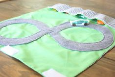 DIY car roll up Christmas Gifts For Boys, Handmade Christmas Gifts, Gifts For Kids, Christmas Diy, Merry Christmas, Christmas Ornaments, Easy Diy Gifts, Homemade Gifts, Diy Toys Car