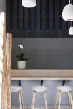 GAKU izakaya - Restaurants / Bars - PROJECTS | STONES&WALLS