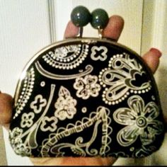 Thirty-One Gifts ... NEW Double Pinch Coin Purse in the NEW Black Paisley Parade pattern. I <3 this!!!