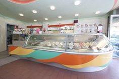 """""""Buon Gelato"""", la gelateria di Gianni De Lucca a Vittorio Veneto (Treviso).  Un modo di scoprire il gelato in un'atmosfera fatta di colori vivi e luminosi. Una gioia per occhi e palato..."""