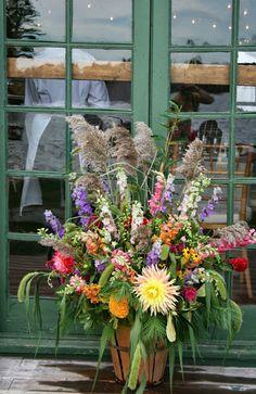 muddy feet flower farm: October 2013 Wagon Wheel Light, Hops Vine, Apple Baskets, Flower Farm, October 2013, Growing Flowers, Dahlia, Vines, Garland