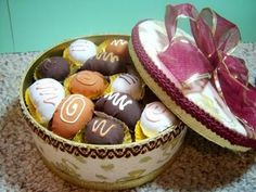 Feature Friday: Box of Chocolates Pin Cushion Tutorial