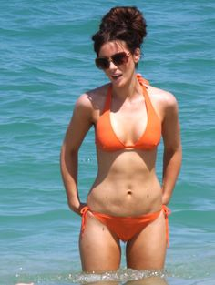 Kate Beckinsale hot on actressbrasize.com  http://actressbrasize.com/2014/07/29/kate-beckinsale-bra-size-body-measurements/