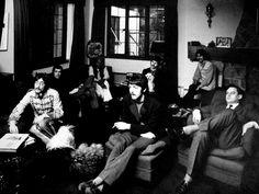 The Beatles – 'Sgt Pepper's Lonely Hearts Club Band' John Lennon Paul Mccartney, John Lennon Beatles, The Beatles, Grease Live, Beatles Sgt Pepper, The Last Question, I Just Love You, Beatles Photos, Teddy Boys