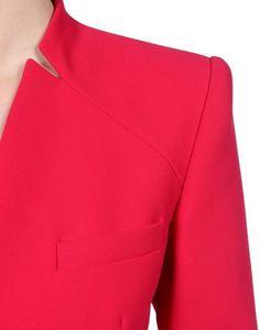 Collar Detail Fuoco e metallo Neckline Designs, Blouse Designs, Style Board, Fashion Details, Fashion Design, Mode Inspiration, Dressmaking, Dress Patterns, Knitwear