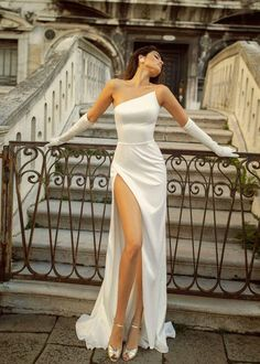 Satin Dresses, Ball Dresses, Ball Gowns, Strapless Dress Formal, Corset Dresses, Satin Gown, Blush Gown, Looks Chic, Looks Style