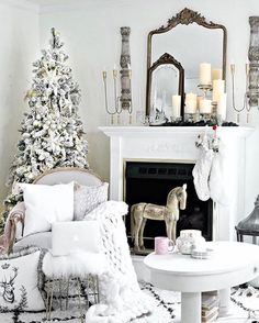 Scrolling feeds and this just stopped me  @thecultivatedhome this is so pretty and you've outdone yourself yet again with your gorgeous Christmas decor! One of my favorites every year! If you don't know Tammy, be sure to visit her feed tonight ✨✨✨