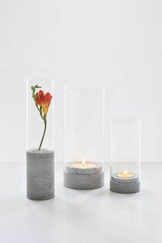 Simples, usando o tubo do rolo de papel higiênico com um tubo do papel alumínio dentro você pode fazer um lindo porta vela.