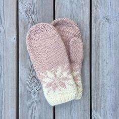 Knitted Mittens Pattern, Knit Mittens, Knitted Gloves, Knitting Patterns Free, Crochet Patterns, Hat Patterns, Stitch Patterns, Loom Knitting, Knitting Socks
