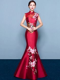 Visit the post for more. Wedding Dress Types, Asian Wedding Dress, Red Wedding Dresses, Prom Dresses, Cheongsam Wedding, Cheongsam Dress, Oriental Dress, Dress First, Traditional Dresses