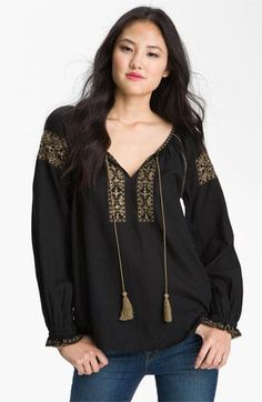 Lucky Brand 'Rhiannon' Peasant Top (Plus) available at I like this darling little blouse. Fashion Sewing, Boho Fashion, Fashion Outfits, Fashion News, Peasant Blouse, Peasant Tops, Korean Girl Fashion, Bohemian Mode, Plus Size Kleidung