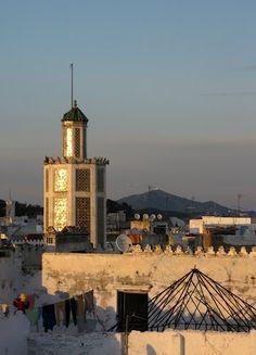 Minarete de la Mezquita Raisuni sobre los tejados de la Medina de Tetuán, Carlos Cuerda
