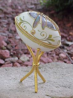 Real Decorated Carved GOOSE Egg Trinket Jewelry Box Dragonfly Birthday Gift | eBay Jewelry Armoire, Jewelry Box, Women Jewelry, Egg Crafts, Easter Crafts, Emu Egg, Egg Shell Art, Egg Basket, Egg Designs