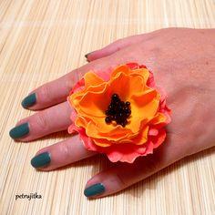 Polymerový prsten s květem z foamiranu z kurzu s Dášou Kakáčovou...