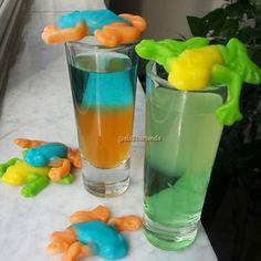 KINKY Liqueur cocktail drink recipe - Feeling Froggish  Lemon liqueur, melon liqueur. Strawberry liqueur, KINKY Gold, uv blue.  Froggy gummy candy.