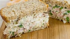 Crisp Tuna Cabbage Salad Sandwich - (Free Recipe below) Low Calorie Lunches, Healthy Lunches For Work, Prepped Lunches, Healthy Low Calorie Snacks, Summer Lunches, Healthy Filling Snacks, No Calorie Foods, Healthy Food, Healthy Sandwiches