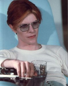 the man who fell to Earth - David Bowie