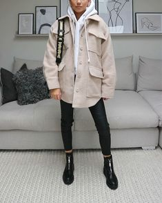 Casual Winter Outfits, Winter Fashion Outfits, Stylish Outfits, Fall Outfits, Autumn Fashion, Casual Wedding Outfits, Cold Spring Outfit, Modern Fashion Outfits, Fashion Basics