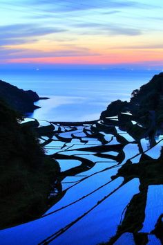 Terraced rice fields, Hamanoura, Kyushu, Japan - such a vast variety of landscape in such a compact country. Places To Travel, Places To See, Places Around The World, Around The Worlds, Foto Nature, Cool Pictures, Cool Photos, Nature Landscape, Kyushu