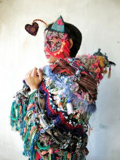 @alinet.oficial - brasilian artist, handmade crochet piece - manta de croche e mascara de tecido www.facebook.com/alinetercete