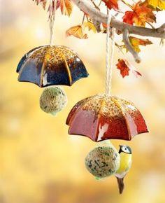 New Photographs Clay pottery painting Thoughts Bird Feeder Umbrella, Set – Klicken Sie hier, um das Bilddetail zu sehen …… – ceramics Ceramic Pottery, Pottery Art, Ceramic Art, Ceramic Birds, Clay Projects, Clay Crafts, Pottery Courses, Pottery Store, Pottery Tools