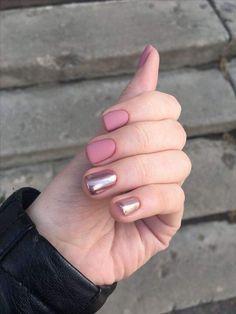 Pin by Lisa Firle on Nageldesign - Nail Art - Nagellack - Nail Polish - Nailart - Nails in 2020 Love Nails, Pretty Nails, My Nails, Gelish Nails, Shellac, Short Nail Designs, Cute Nail Designs, Gold Nail Polish, Perfect Nails